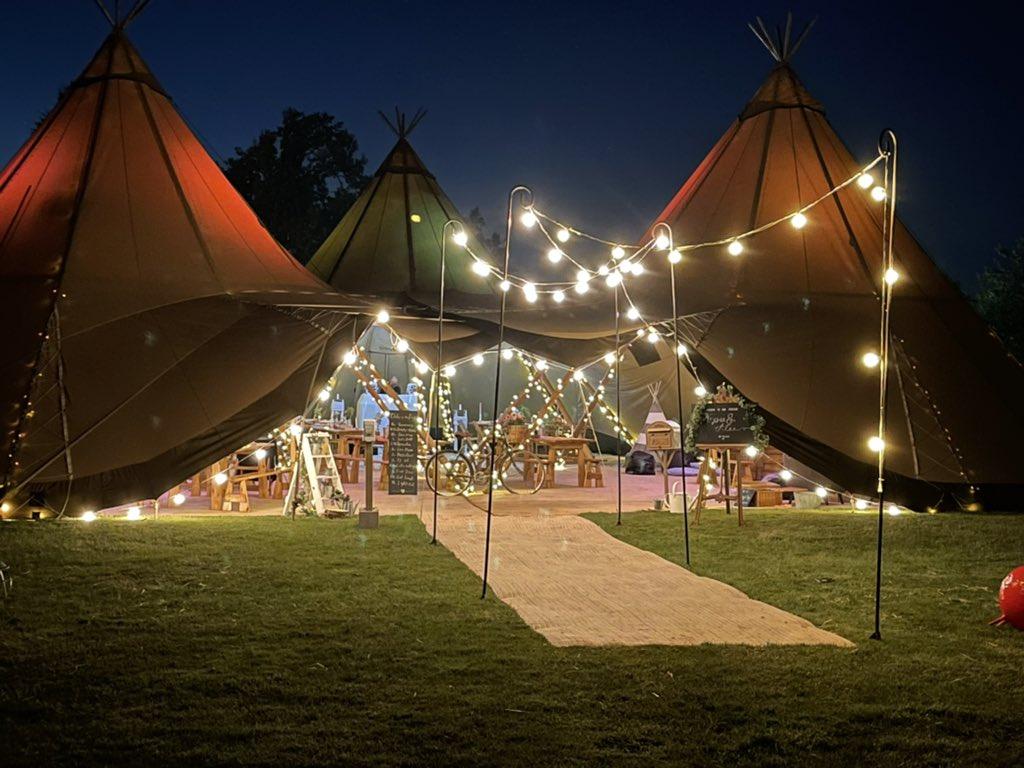 bawdon-lodge-farm-DJ-Wedding-Disco-Photo-booth-dance-floor-sparks-dry-ice-confetti-love-letter-hire