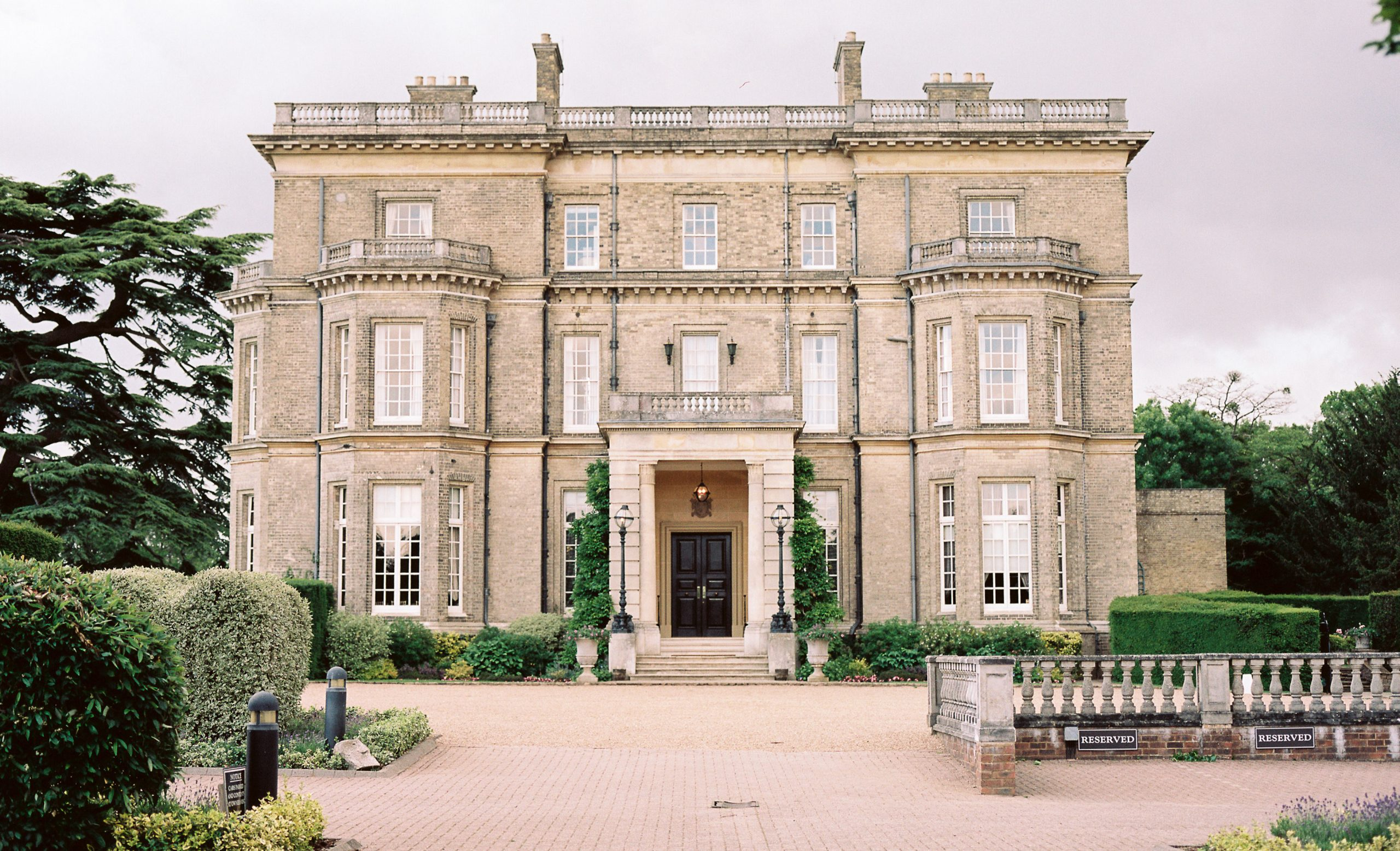 hedsor-house-DJ-Wedding-Disco-Photo-booth-dance-floor-sparks-dry-ice-confetti-love-letter-hire