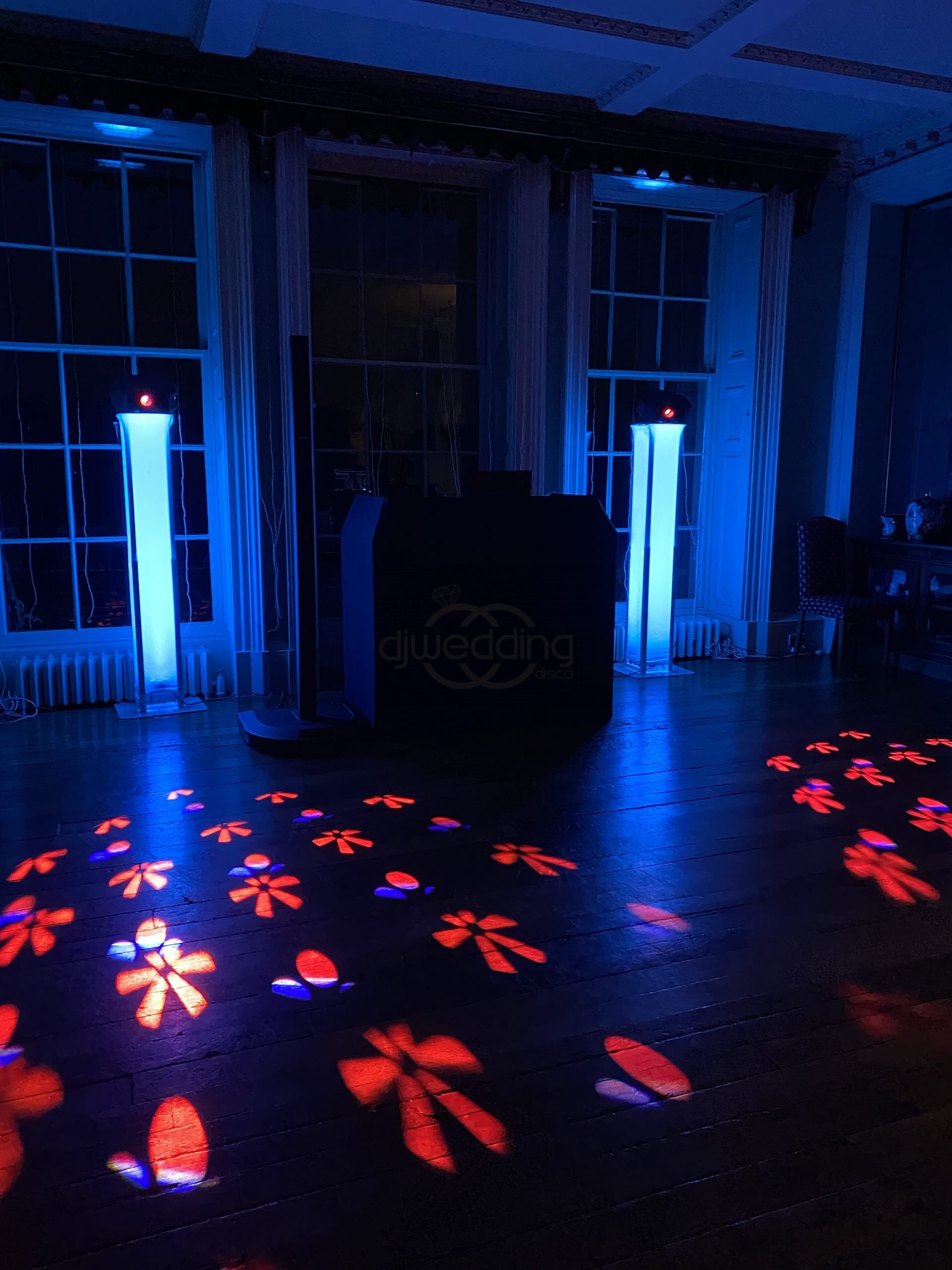 soraya-and-will-prestwold-hall-DJ-Wedding-Disco-Photo-booth-dance-floor-sparks-dry-ice-confetti-love-letter-hire